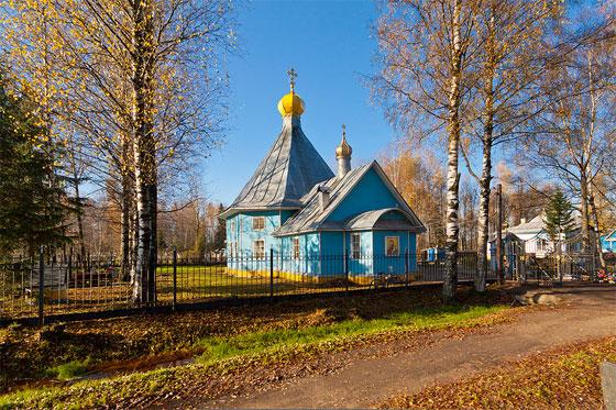 Тосно, церковь на кладбище